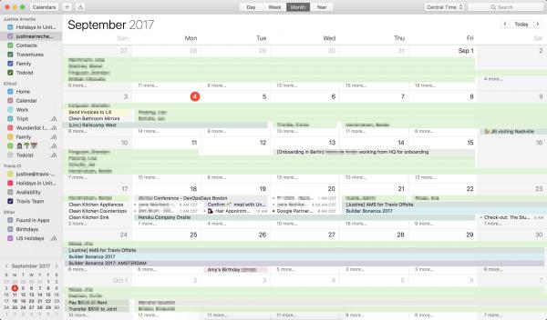 Screenshot der Calendar App in iOS in der fast alle Tage mit Terminen voll sind